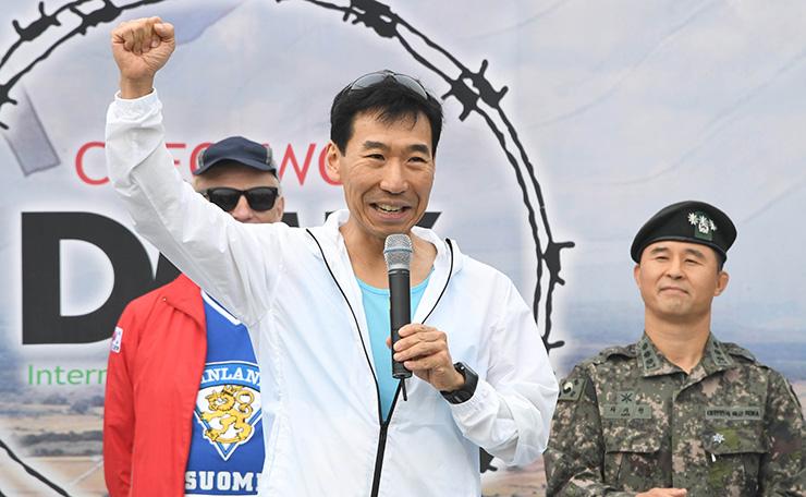 O Embaixador Australiano na Coreia, James Choi foi uma das presenças ilustres da corrida.
