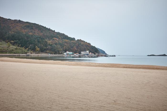 Praia Sangju/ Foto: Visit Korea